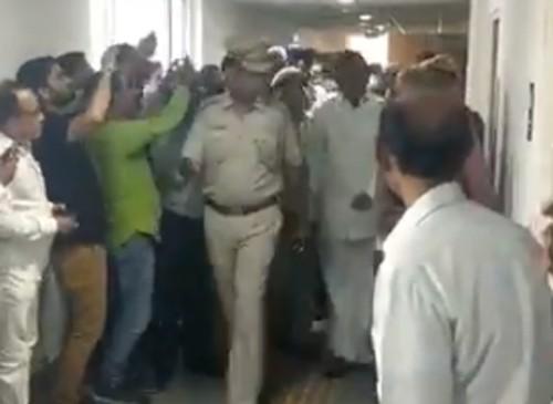 చిదంబరం సహకరించడం లేదు : కోర్టులో సిబిఐ