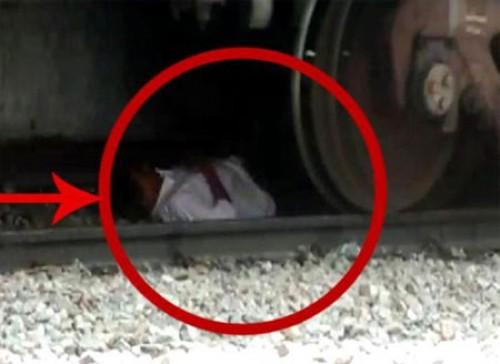 అనంతపురం రైల్వే స్టేషన్లో కలకలం