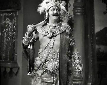నిర్మాత అశ్వినిదత్ కుమార్తెలు డబ్బుకు వెనుకాడక 'మహానటి'  తీశారు: మోహన్ బాబు