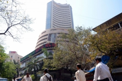 Sensex tanks 900 points, gives up 50,000 (2nd Ld)