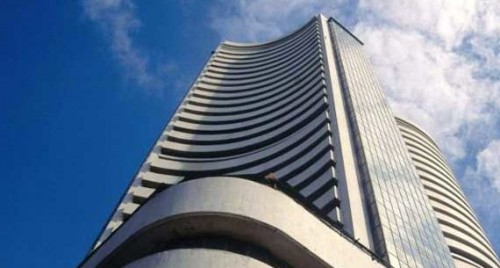 Sensex up 500 points on positive global cues