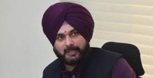 EC notice to Sidhu over appeal for votes to Muslims