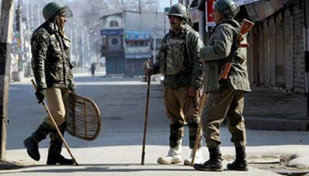 Clashes erupt in Pulwama in J&K