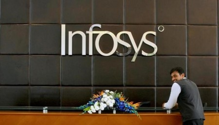 Infosys revenue outlook up despite flat growth in Q1