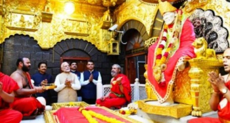 Modi attends closing function of Saibaba samadhi centenary