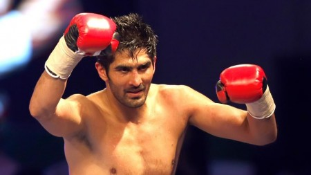 Indian boxing star Vijender Singh  to fight next pro bout in August