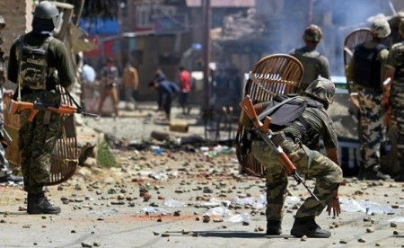 2 CRPF troopers killed in J&K militant attack