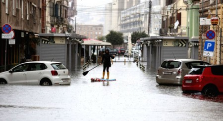 Extreme weather events can bring next recession