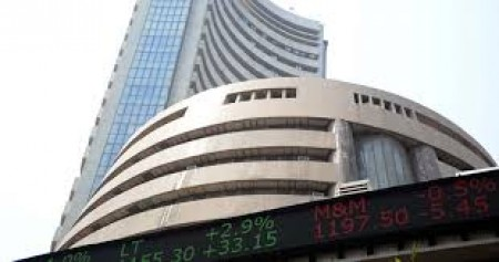 Equity indices open in green ahead of Economic Survey presentation