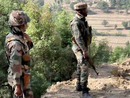 Indian, Pakistan army clash on LoC