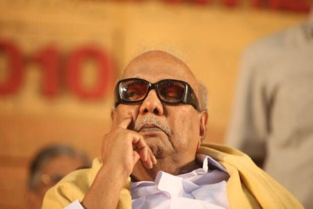 Karunanidhi admitted to hospital