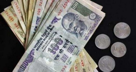 Fund exodus, equities sell-off plunge rupee; touches new low of 74.48/$