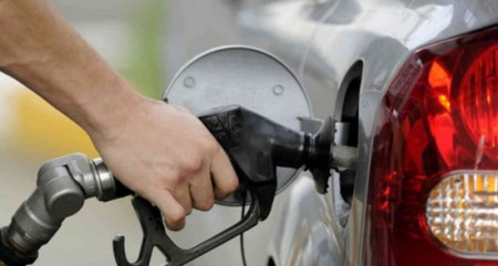 Petrol prices rise for 13th straight day; almost Rs 78 in Delhi