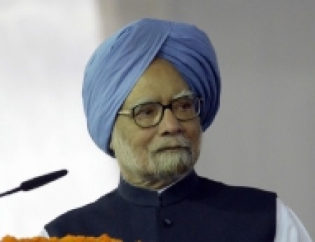 I don't see any immediate recovery of our economy: Manmohan Singh