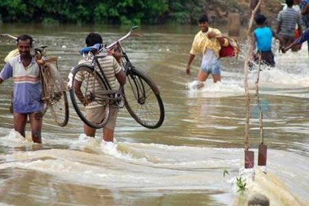 North Bengal remains cut off due to floods, toll touches 12