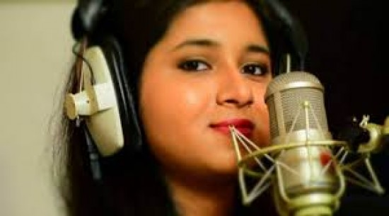 Singers are actors behind microphone, says Pavni Pandey