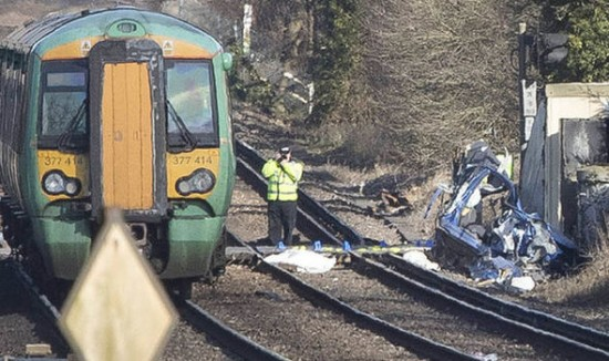 London, Train, accident